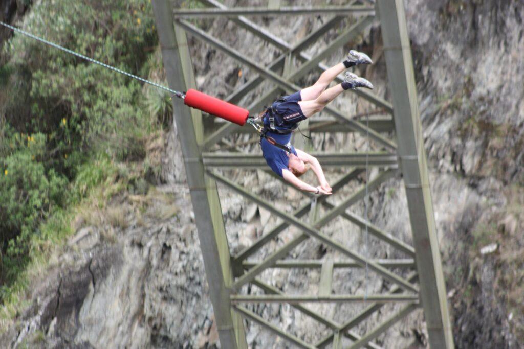 bridge jumping ecuador